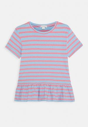 BELLA  - T-Shirt print - paris blue/pink