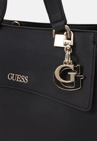 Guess - HANDBAG DALMA GIRLFRIEND SATCHEL - Handbag - black - 4