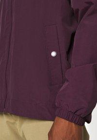 Lyle & Scott - ZIP THROUGH HOODED JACKET - Summer jacket - burgundy - 3