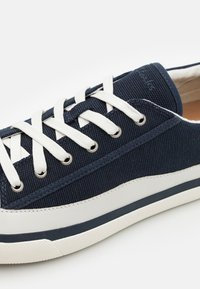 Clarks - ACELEY LACE - Sneakers - navy - 5