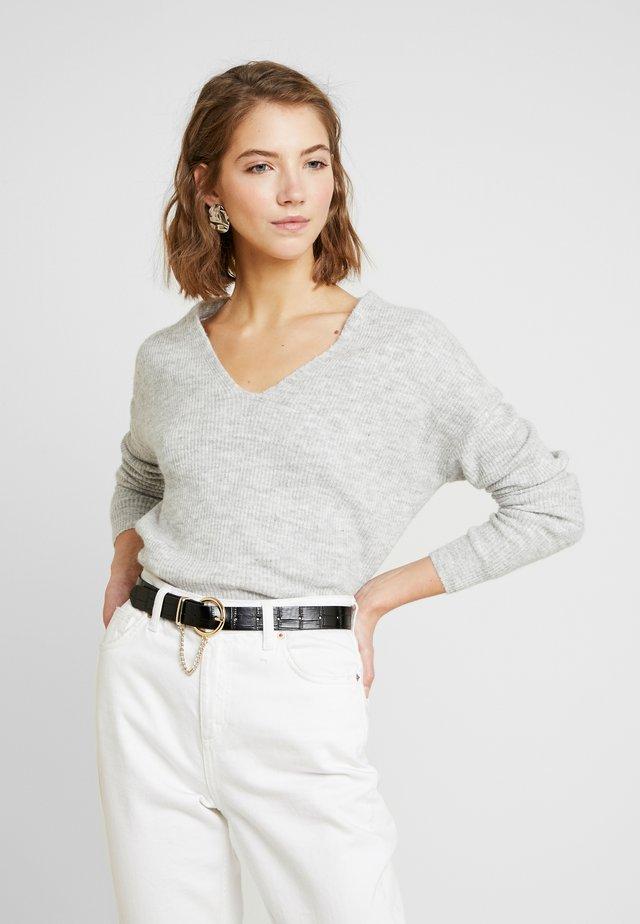 VMBLAKELY IVA V-NECK  - Sweter - light grey melange/snow melange