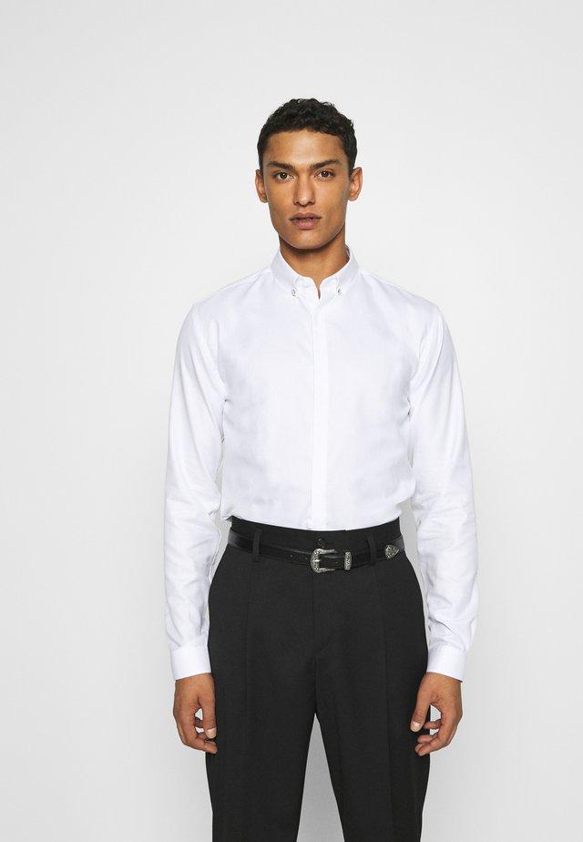 CHEMISE - Koszula - white