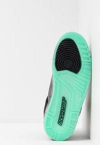Jordan - SPIZIKE  - Skateboardové boty - black/green glow/anthracite - 4