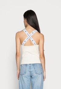 Calvin Klein Jeans - SQUARE NECK TANK - Top - muslin - 2