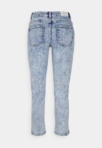 ONLY Petite - ONLERICA LIFE - Jeans straight leg - light medium blue denim - 1