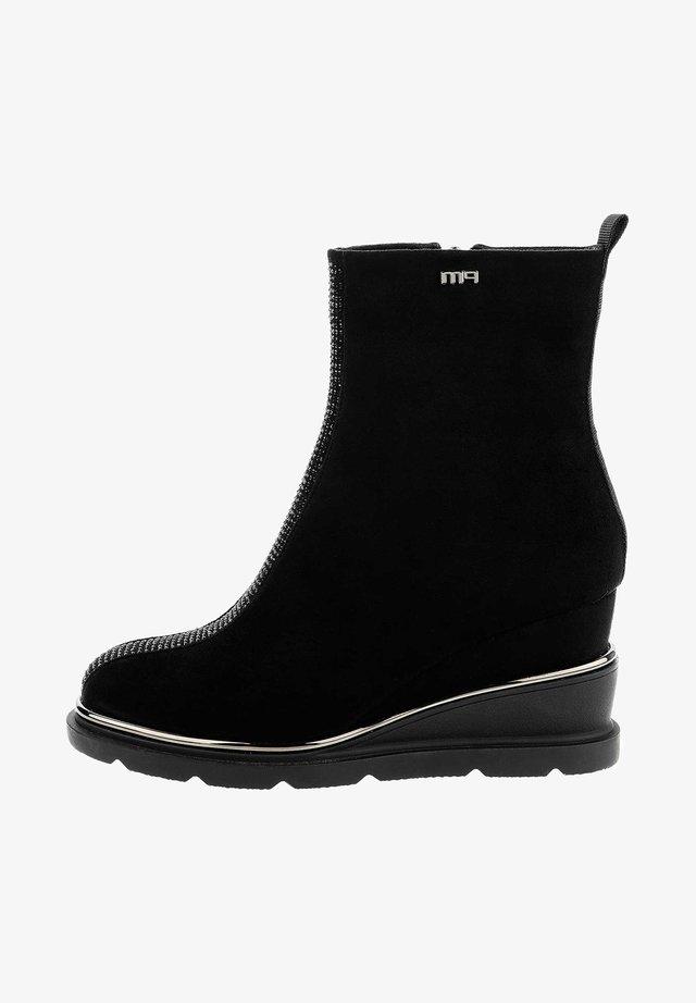 SARENTINO SARENTINO - Wedge Ankle Boots - Czarny