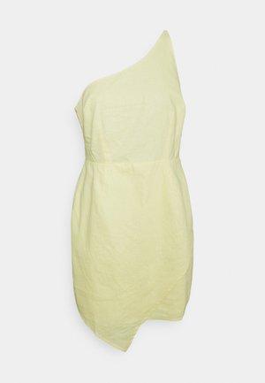 MINI DRESS - Robe de soirée - dusty yellow