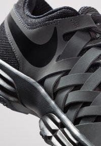 Nike Performance - LUNAR FINGERTRAP TR - Zapatillas de entrenamiento - anthracite/black - 5