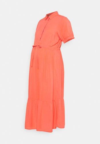 NURSING DRESS - Sukienka koszulowa - sugar coral