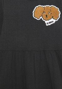 Mini Rodini - FLUFFY DOG PATCH DRESS - Jersey dress - black - 2
