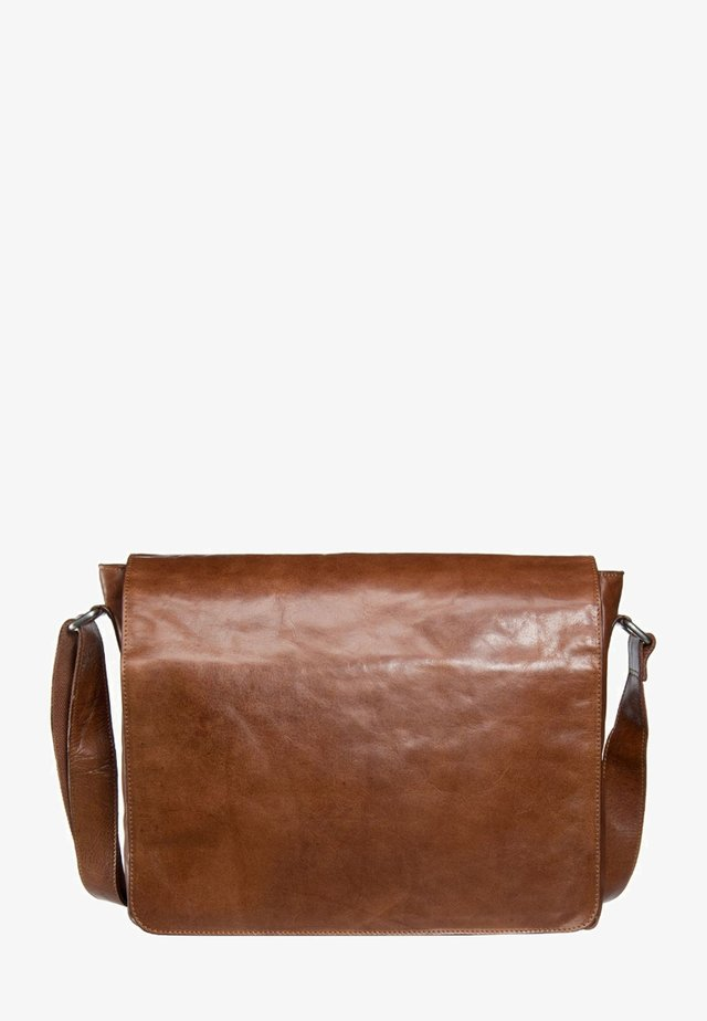 CAMBRIDGE - Briefcase - cognac