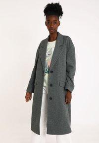 Pimkie - Klasický kabát - grau - 3