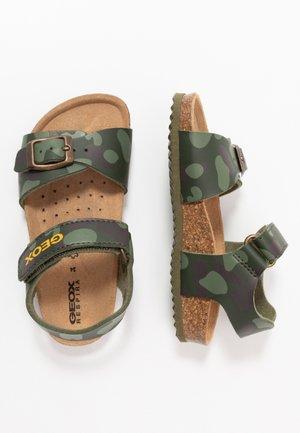 GHITA BOY - Sandalen - military