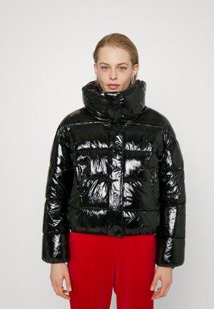 WET SHINE CROPPED PUFFER JACKET - Winter jacket - black