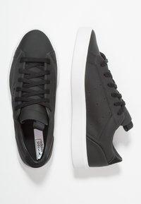 adidas Originals - SLEEK - Sneakers laag - core black/crystal white - 3