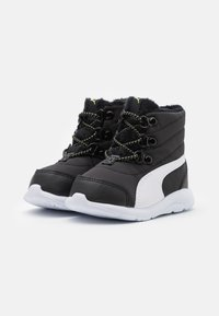 Puma - FUN RACER BOOT UNISEX - Winter boots - black/white - 1