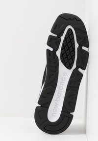 New Balance - MSX90 - Sneakers - black - 4
