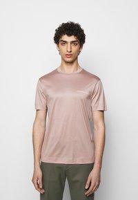 Emporio Armani - Basic T-shirt - light pink - 0