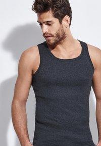 Tezenis - Undershirt - dark grey mel - 2