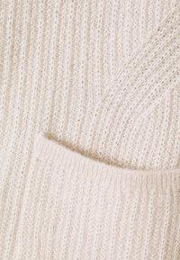 Tommy Hilfiger Curve - TEXTURED STITCH OPEN CARDI - Cardigan - vintage white - 2