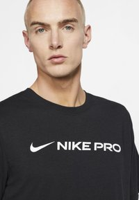 Nike Performance - DRY TEE PRO - Camiseta estampada - black - 3