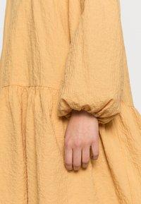 Twist & Tango - MIRA - Denní šaty - golden hour - 3