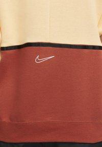 Nike Sportswear - HOODIE ARCHIVE - Hoodie - orange chalk/firewood orange/white - 5