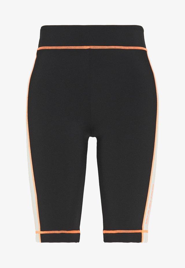 DEBBIE - Shorts - black/birch