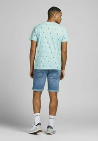 Jack & Jones - Print T-shirt - light blue - 2