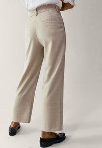 Massimo Dutti - Pantalon classique - beige - 2