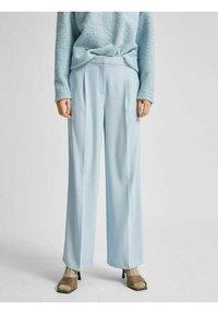 SLFTINNI WIDE PANT - Spodnie materiałowe - cashmere blue
