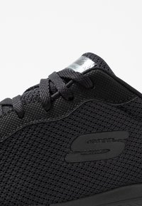 Skechers Wide Fit - FLEX APPEAL 3.0 - Sneakers laag - black - 2