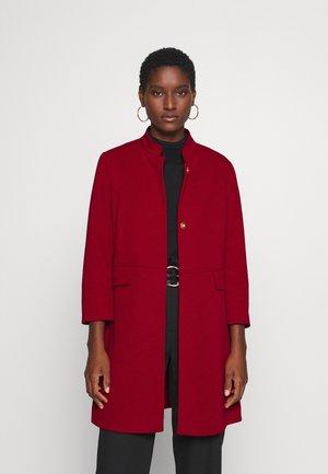 Abrigo corto - deep red