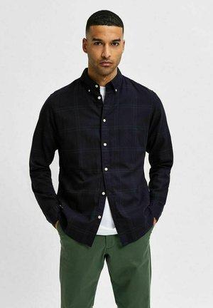 Shirt - darkest spruce