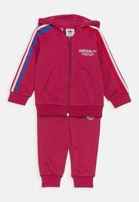 adidas Originals - HOODIE SET UNISEX - Survêtement - pink - 0