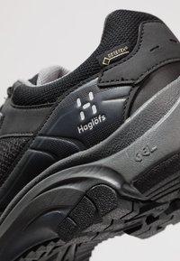 Haglöfs - OBSERVE EXTENDED GT MEN - Hiking shoes - true black - 5