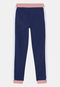 Guess - JUNIOR ACTIVE  - Tracksuit bottoms - alabaster pink - 1