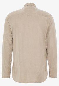 Folk - STITCH POCKET SHIRT - Shirt - fog - 1