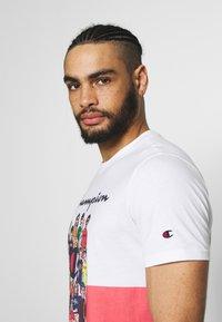 Champion Rochester - ROCHESTER GRAPHIC CREWNECK - Print T-shirt - white - 3