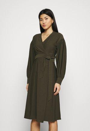 MERRILL DRESS - Vapaa-ajan mekko - black olive