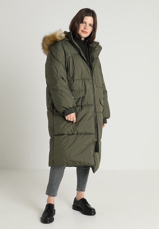 LADIES OVERSIZE PUFFER COAT - Winter coat - darkolive/beige