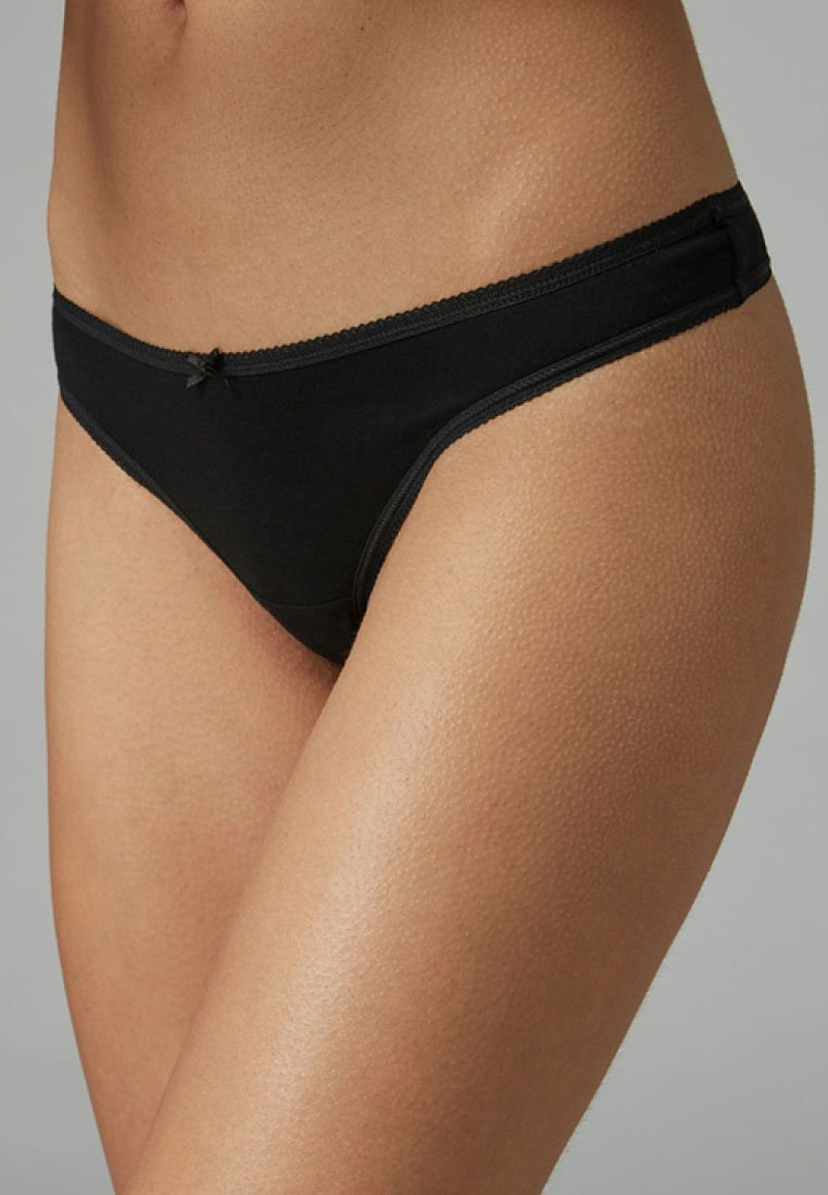 Femme COTTON KNICKERS SEVEN PACK-THONG - String