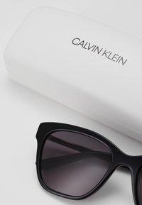 Calvin Klein - Zonnebril - black - 3
