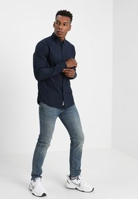 Scotch & Soda - REGULAR FIT OXFORD SHIRT WITH STRETCH - Overhemd - night - 1