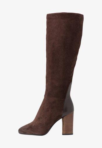 Botas de tacón - teak