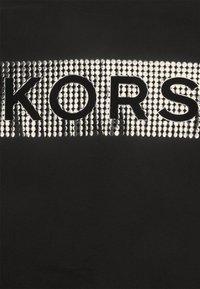 Michael Kors - NAIL HEAD TEE - Triko spotiskem - black - 6