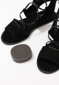Liu Jo Jeans - THEA  - Sandalias tobilleras - black - 7
