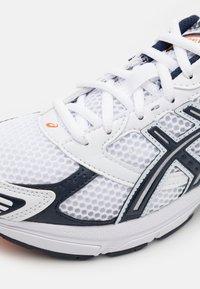 ASICS SportStyle - GEL-1130 UNISEX - Trainers - white/midnight - 5