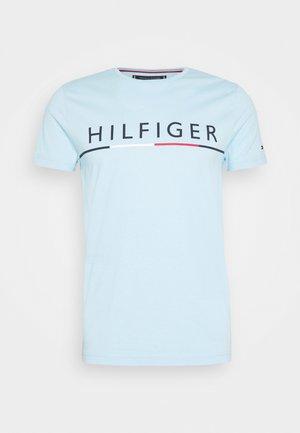 GLOBAL STRIPE TEE - T-shirt z nadrukiem - blue