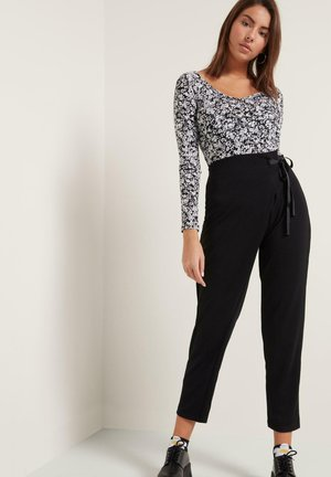 Long sleeved top - st black&white flowers